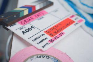 Filmklappe auf dem Filmset für Crue